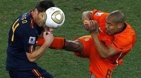 La selección holandesa  introduce el kárate en la práctica del fútbol
