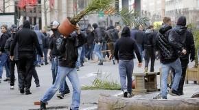 Ultras en la plaza de la Bolsa